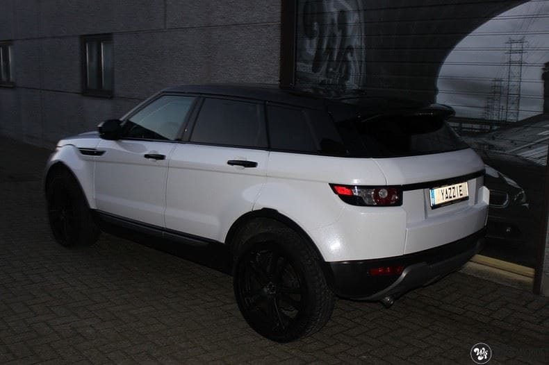 Range Rover Evoque Avery White Diamond, Carwrapping door Wrapmyride.nu Foto-nr:9817, ©2021