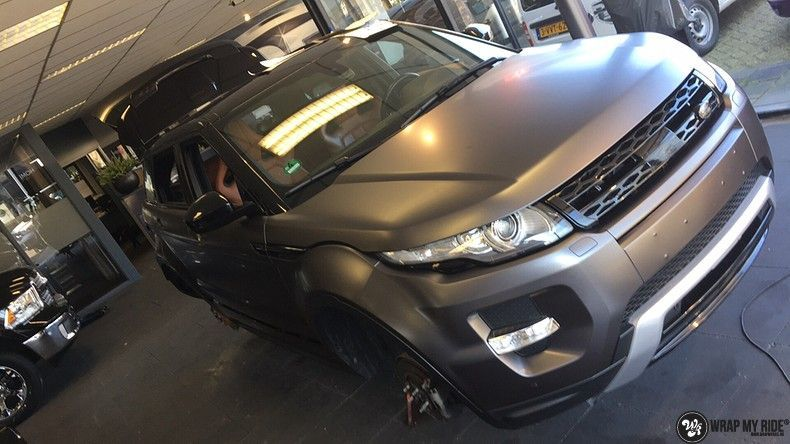 Range Rover Evoque Satin Dark Grey, Carwrapping door Wrapmyride.nu Foto-nr:11034, ©2020