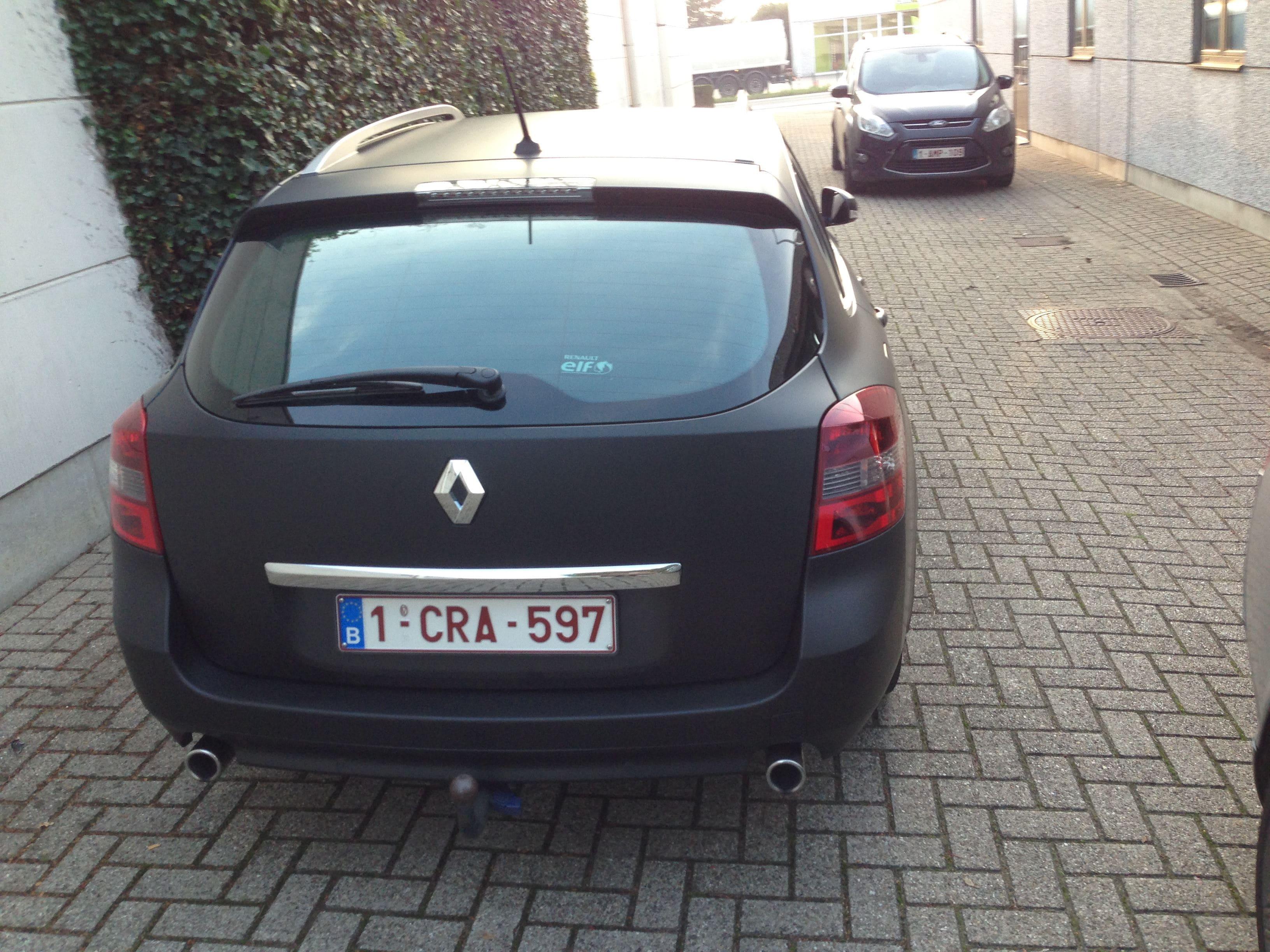 Renault Laguna Break met mat Zwarte Wrap, Carwrapping door Wrapmyride.nu Foto-nr:7180, ©2021