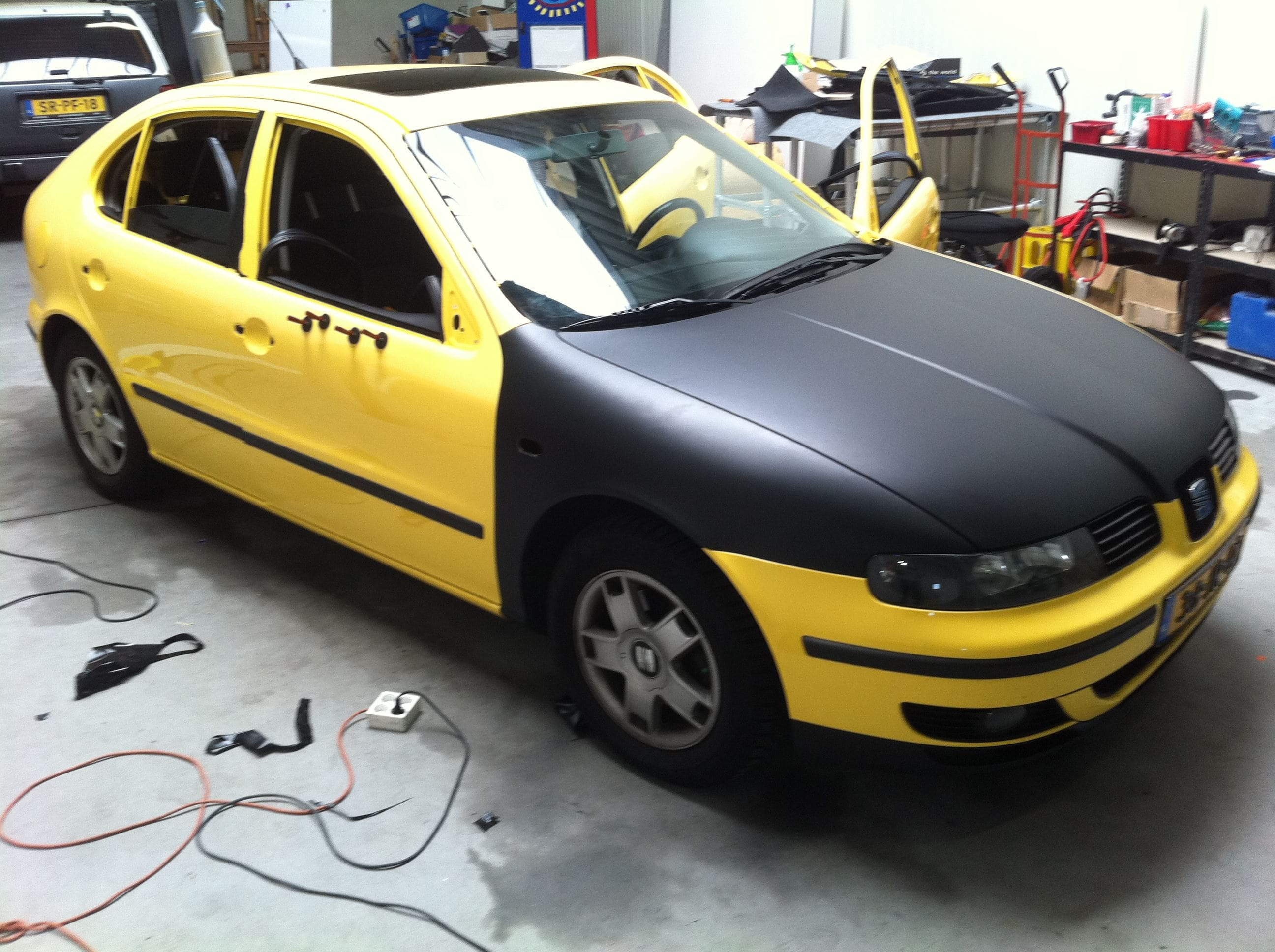 Seat Leon in Mat Zwarte Wrap, Carwrapping door Wrapmyride.nu Foto-nr:7182, ©2021