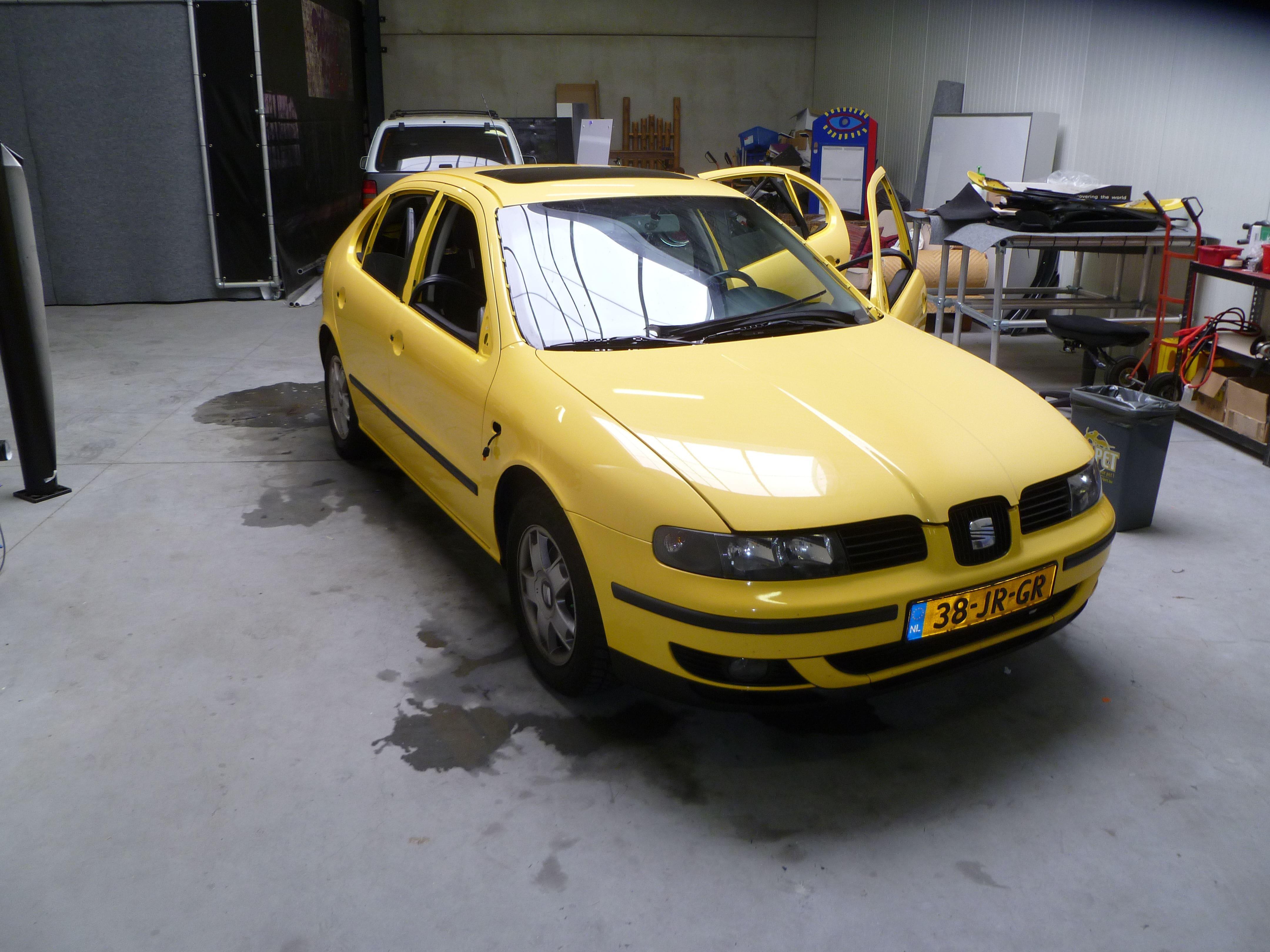 Seat Leon in Mat Zwarte Wrap, Carwrapping door Wrapmyride.nu Foto-nr:7184, ©2021