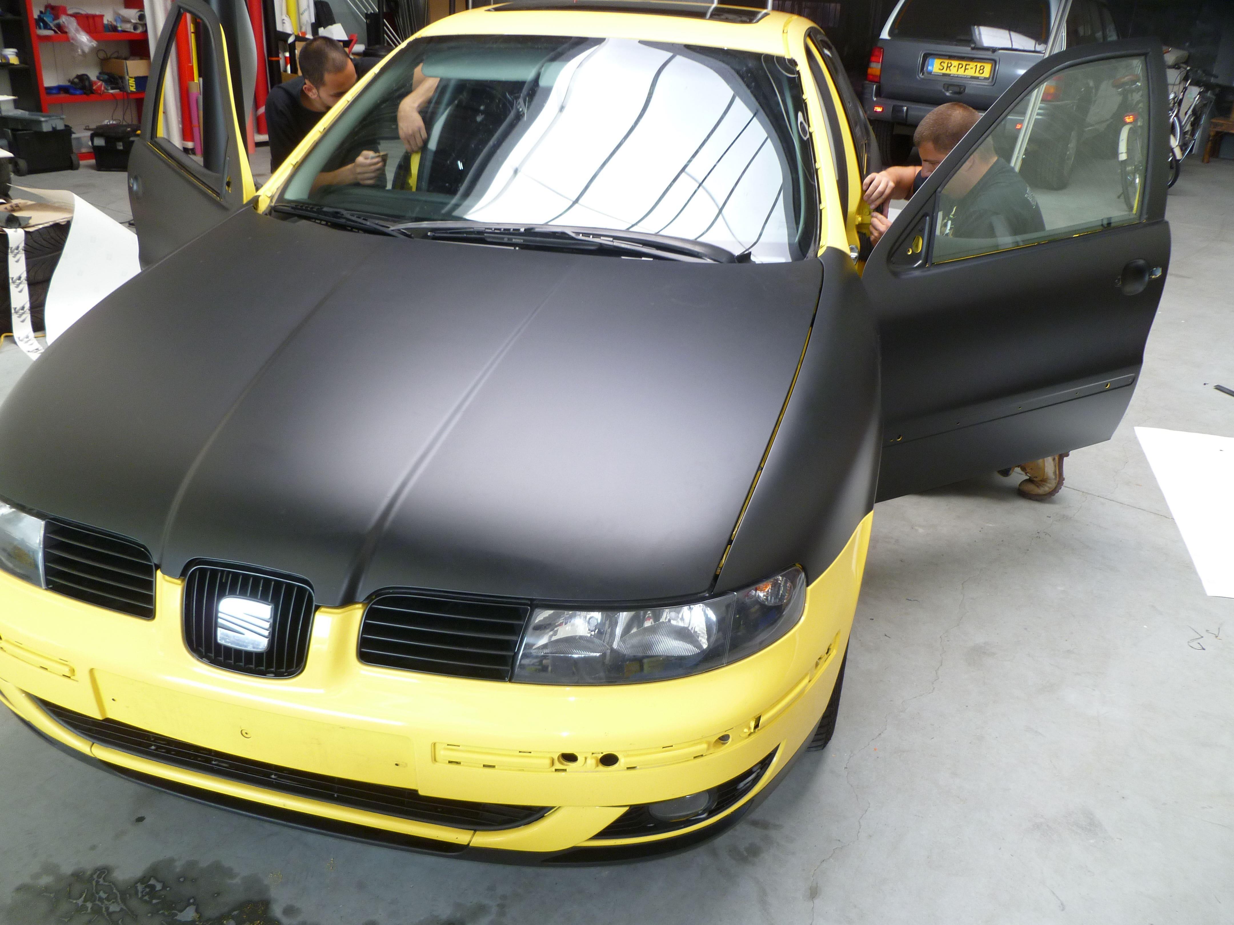 Seat Leon in Mat Zwarte Wrap, Carwrapping door Wrapmyride.nu Foto-nr:7185, ©2021