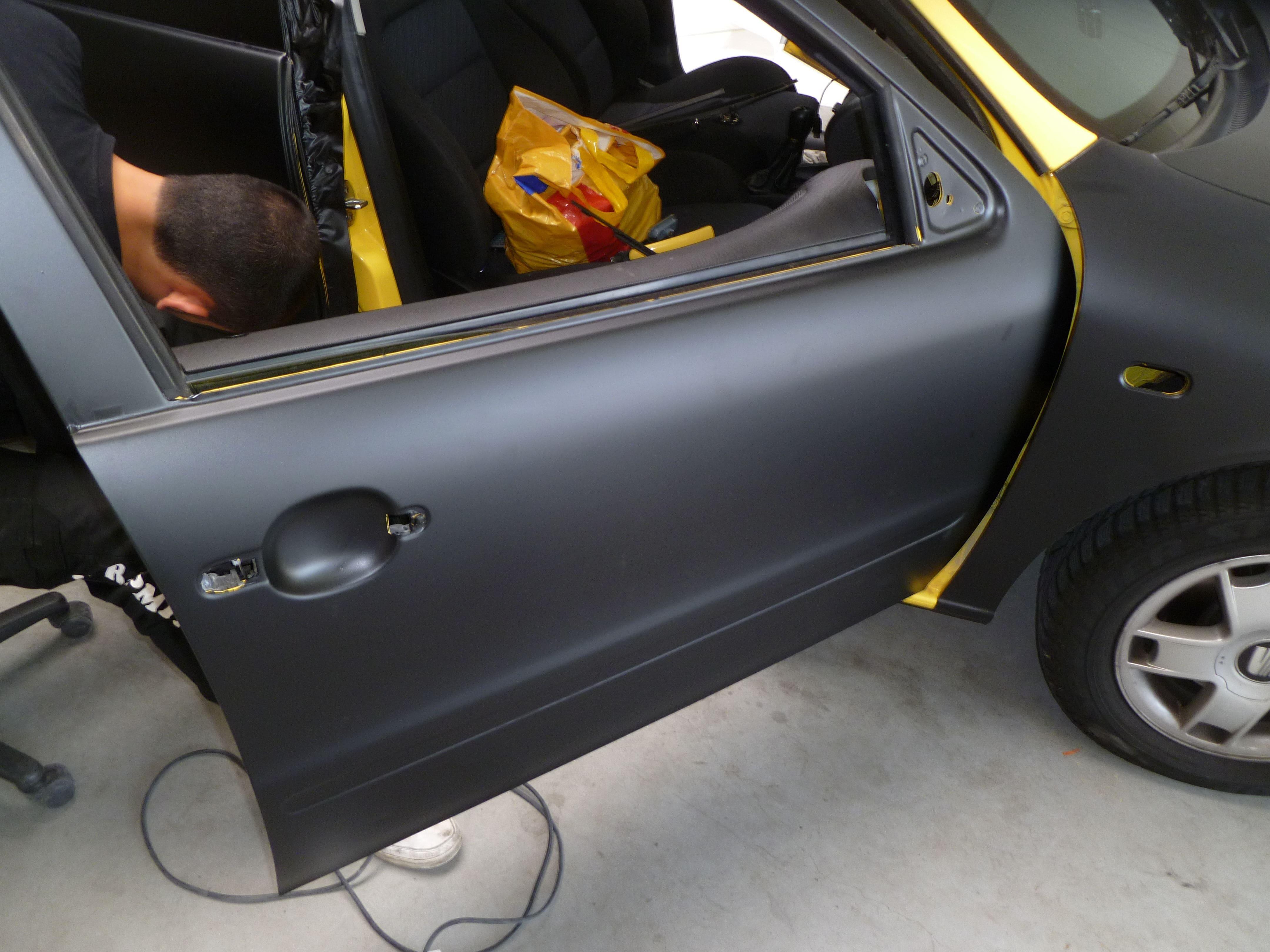 Seat Leon in Mat Zwarte Wrap, Carwrapping door Wrapmyride.nu Foto-nr:7188, ©2021