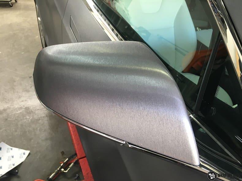 Tesla Model S brushed steel, Carwrapping door Wrapmyride.nu Foto-nr:9934, ©2018