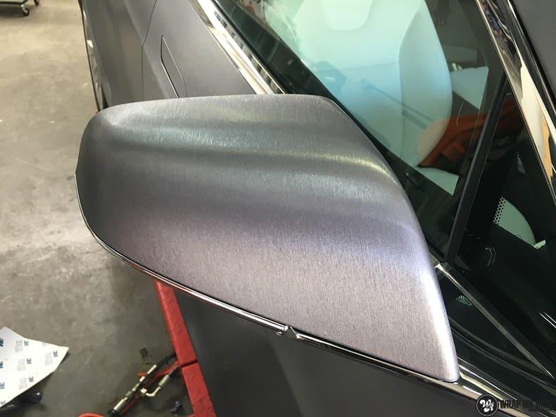 Tesla Model S brushed steel, Carwrapping door Wrapmyride.nu Foto-nr:9920, ©2018