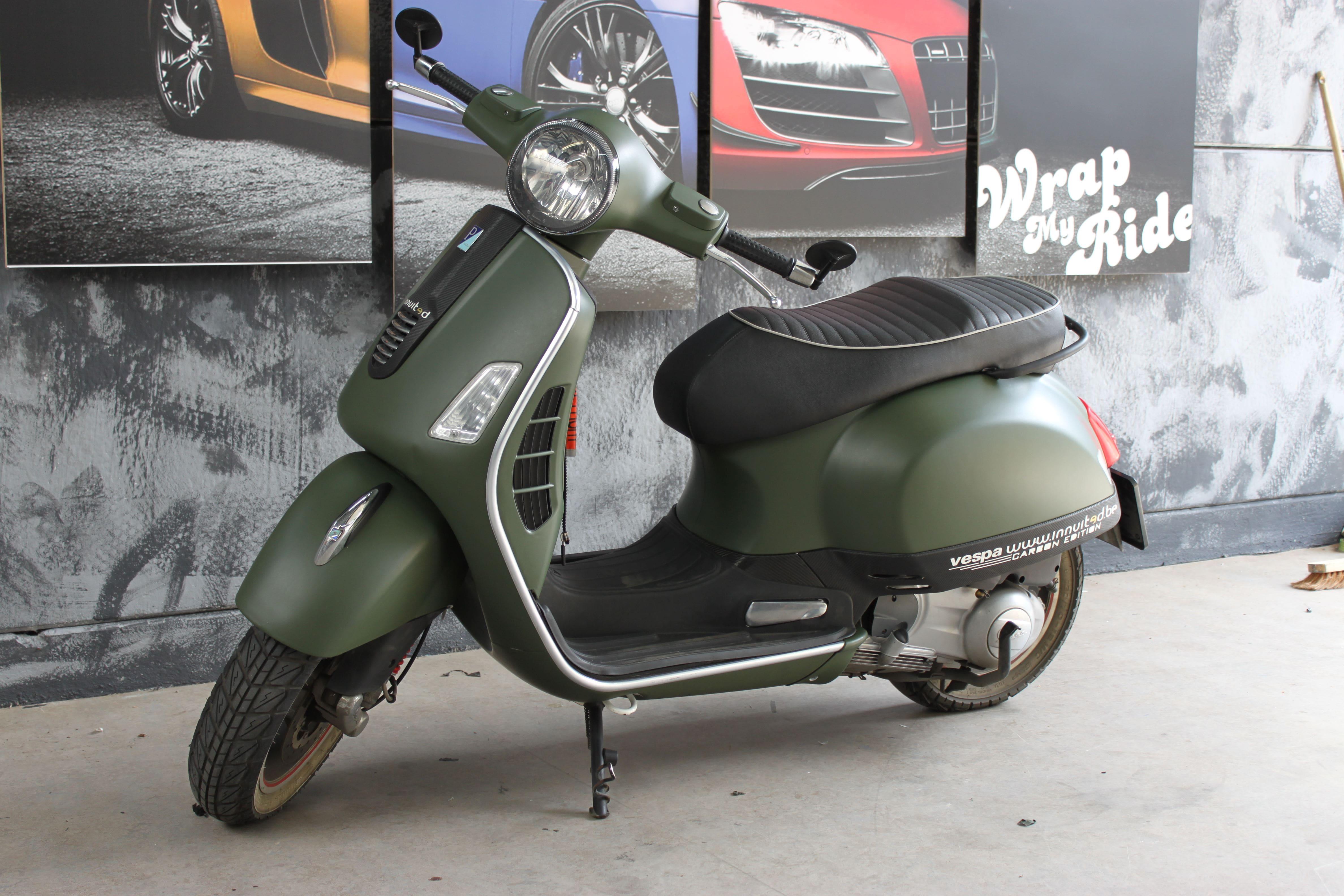 Vespa met Wrap in Military Green, Carwrapping door Wrapmyride.nu Foto-nr:7258, ©2021