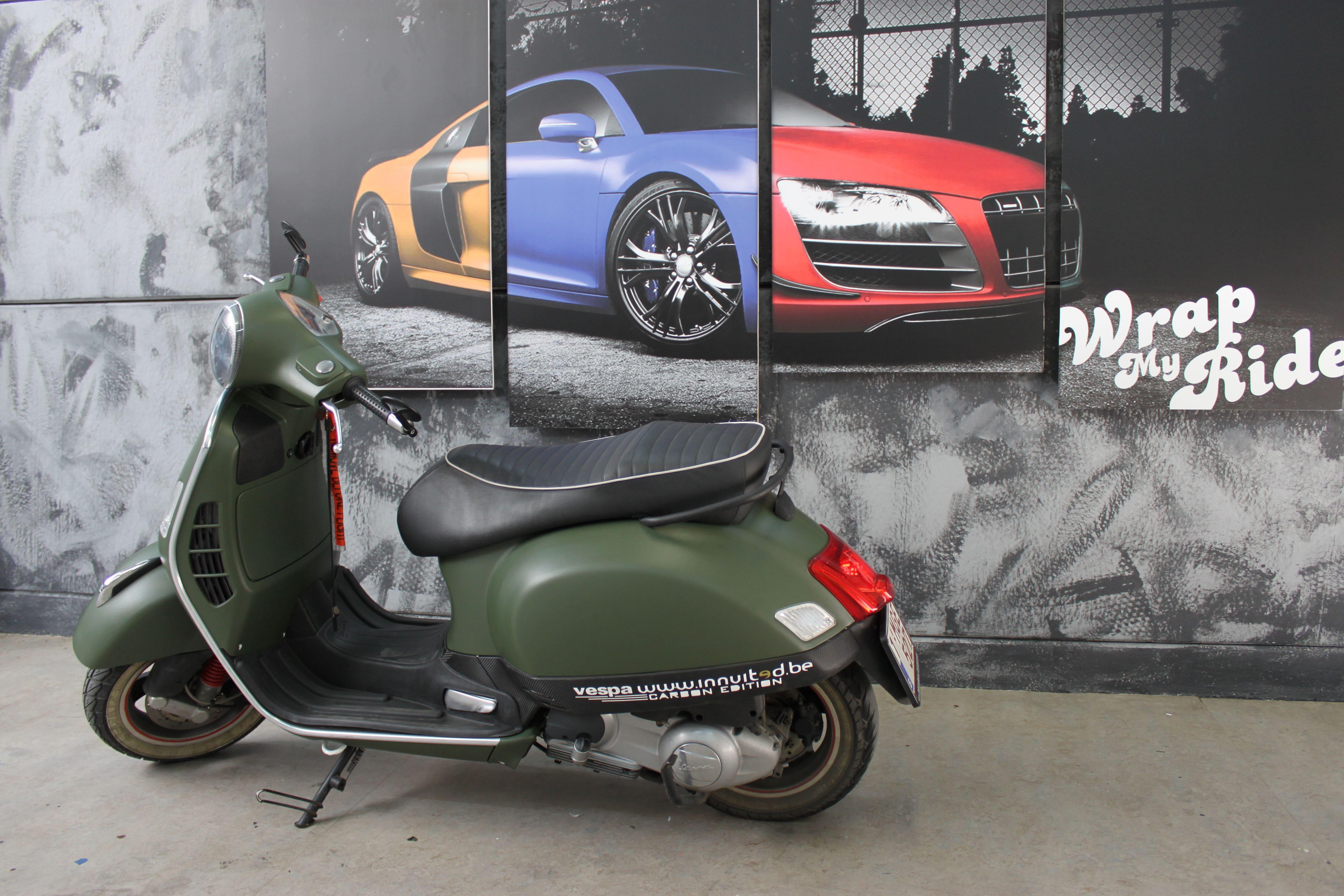 Vespa met Wrap in Military Green, Carwrapping door Wrapmyride.nu Foto-nr:7261, ©2021
