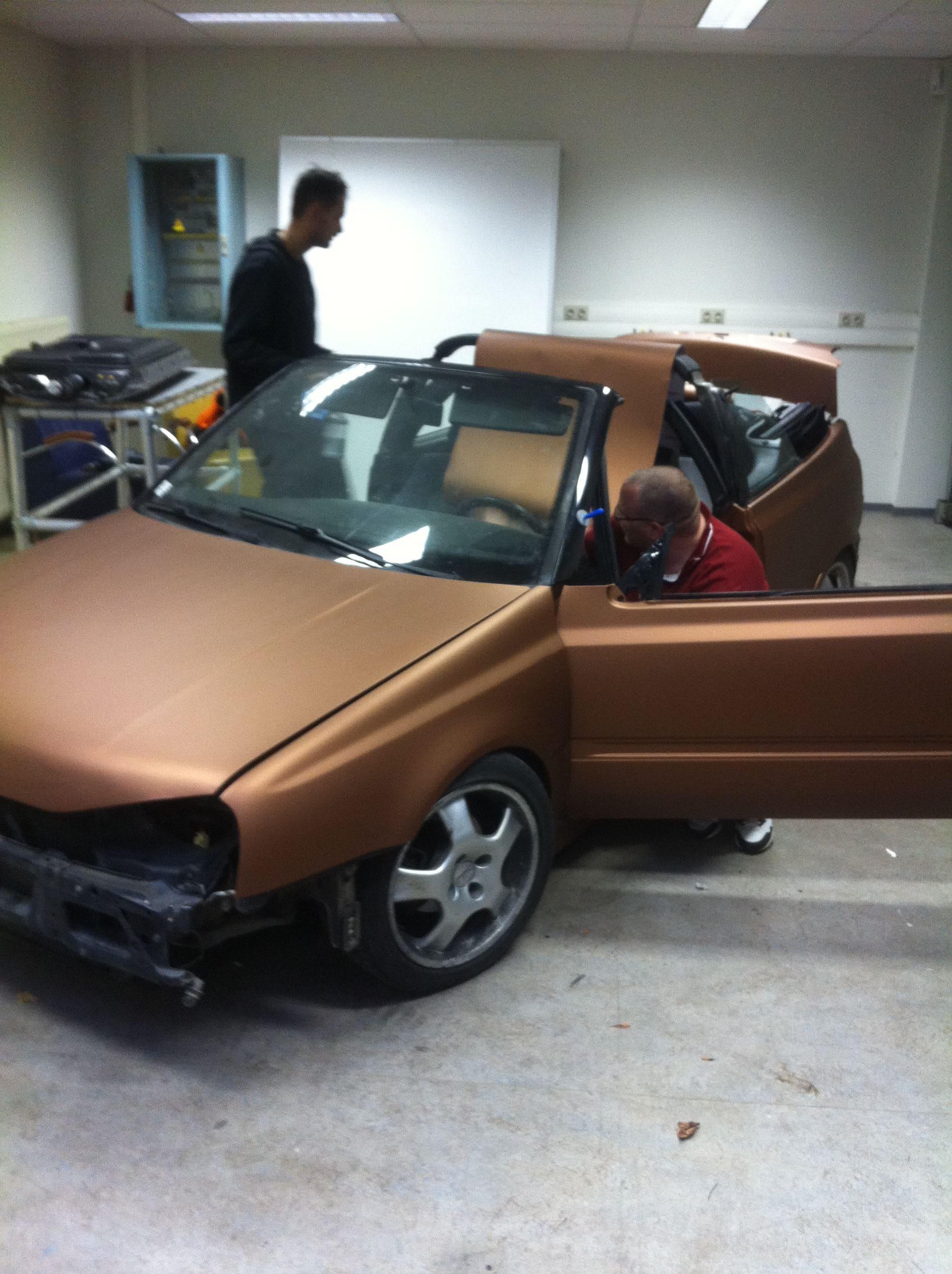 Volkswagen Golf III met een Aztec Bronze Wrap, Carwrapping door Wrapmyride.nu Foto-nr:7310, ©2021