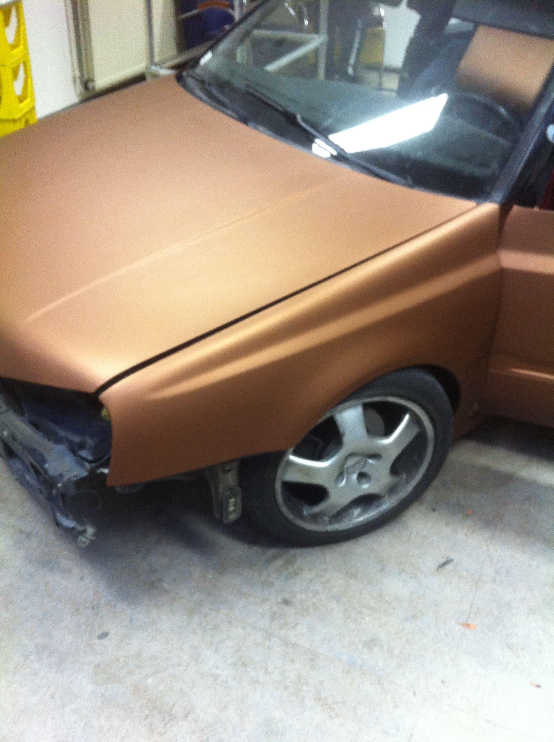 Volkswagen Golf III met een Aztec Bronze Wrap, Carwrapping door Wrapmyride.nu Foto-nr:7311, ©2021