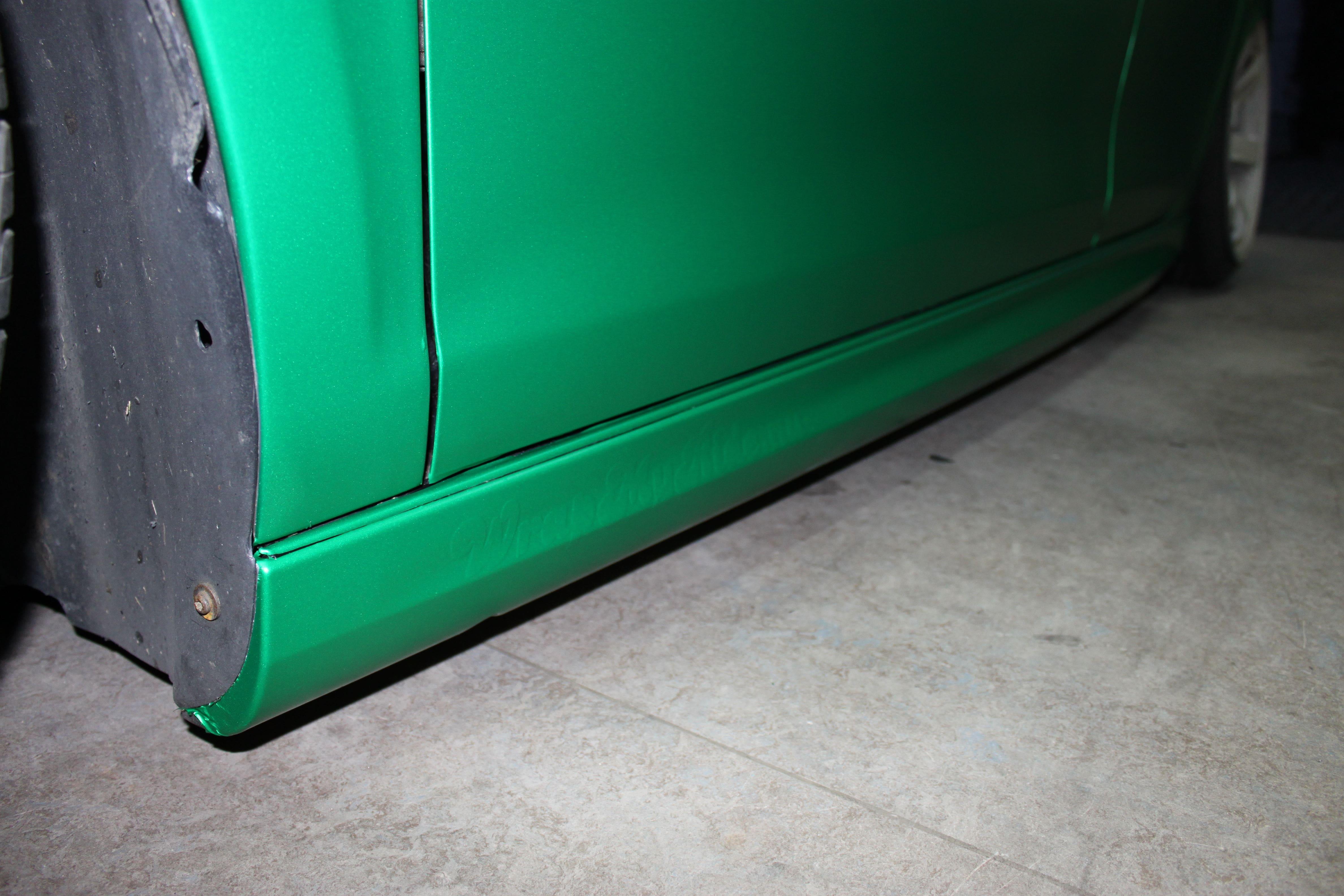 Volkswagen Golf in Satin Sheer Luck Wrap in het Groen, Carwrapping door Wrapmyride.nu Foto-nr:7006, ©2021