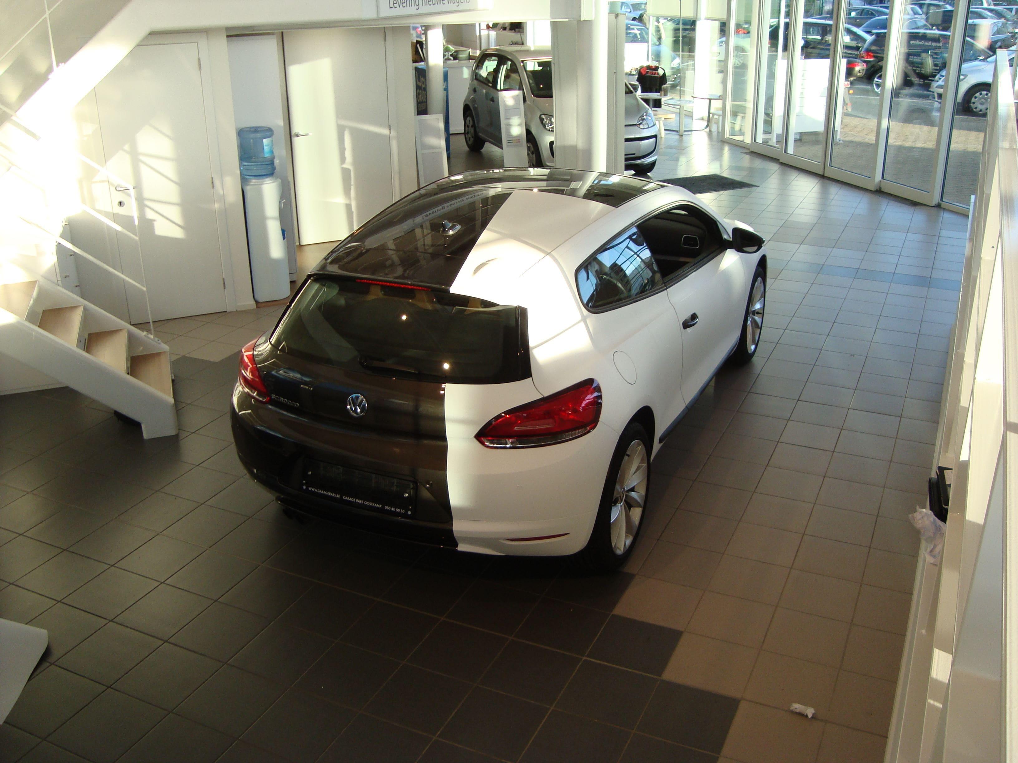 Volkswagen Scirocco met Halve Wrap in Zwart Wit, Carwrapping door Wrapmyride.nu Foto-nr:7044, ©2020