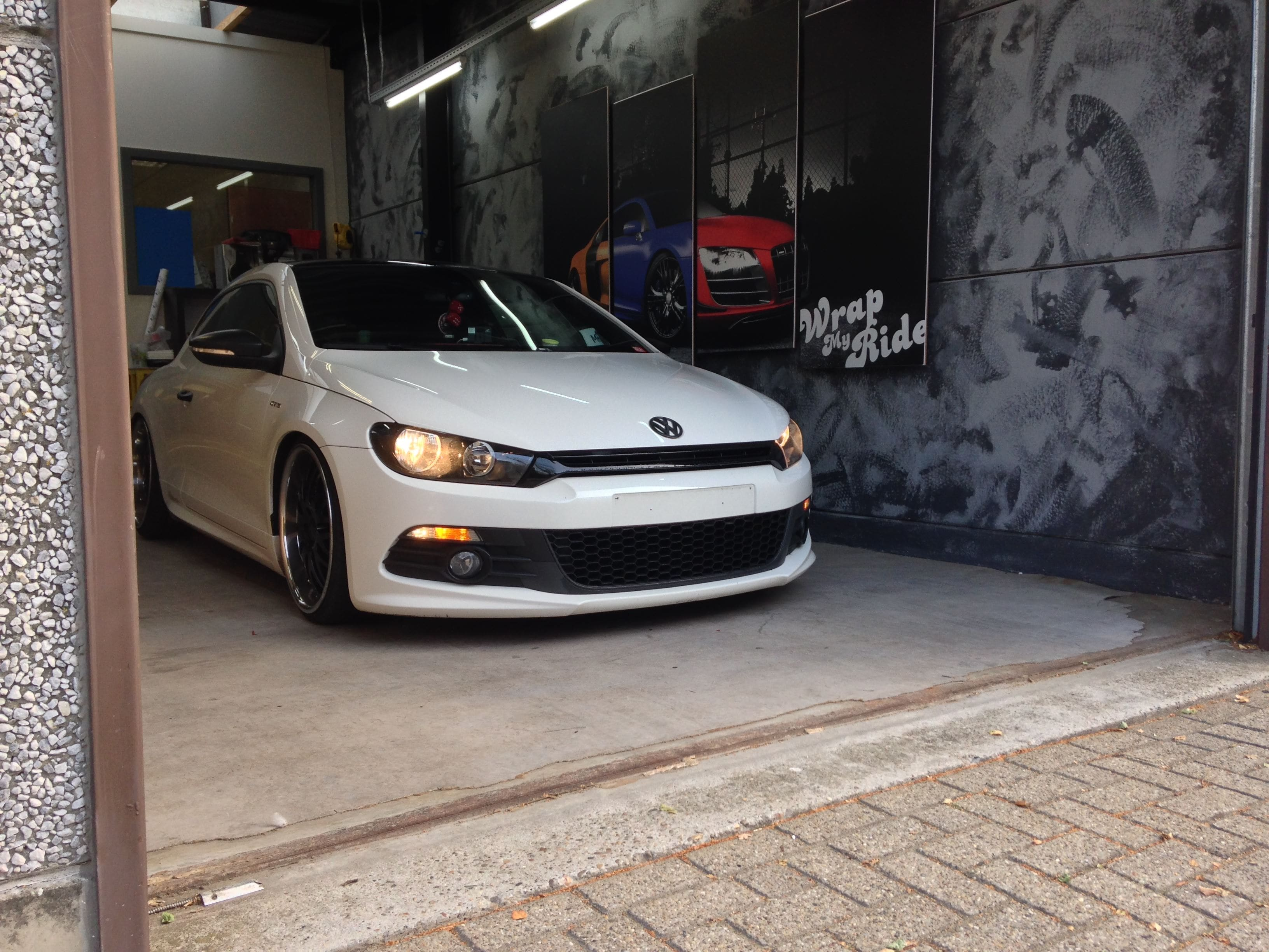 Volkswagen Scirocco met Mat Metallic Roze Warp, Carwrapping door Wrapmyride.nu Foto-nr:6970, ©2021