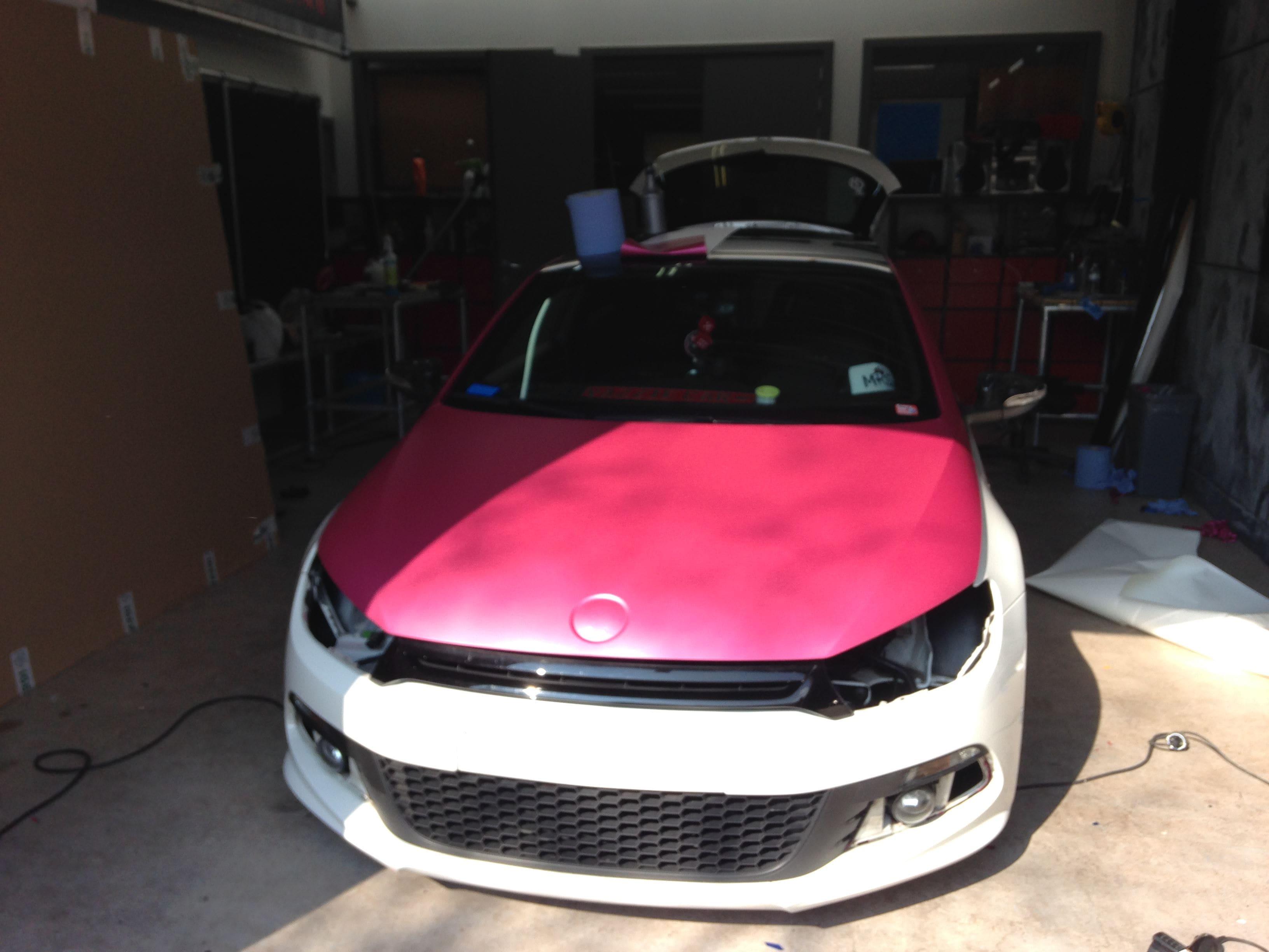 Volkswagen Scirocco met Mat Metallic Roze Warp, Carwrapping door Wrapmyride.nu Foto-nr:6975, ©2021