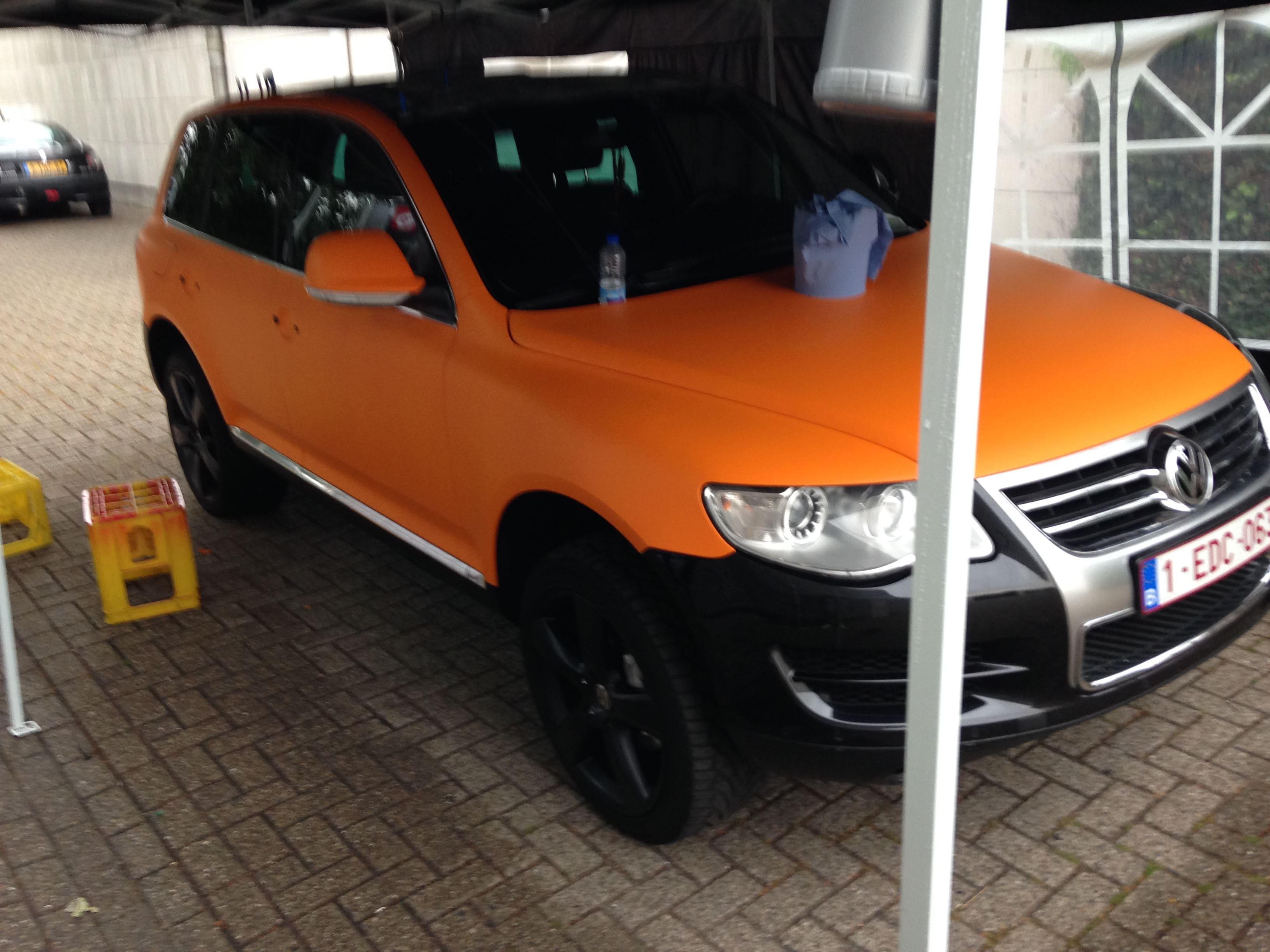 Volkswagen Touareg met Mat Oranje Wrap, Carwrapping door Wrapmyride.nu Foto-nr:7383, ©2021