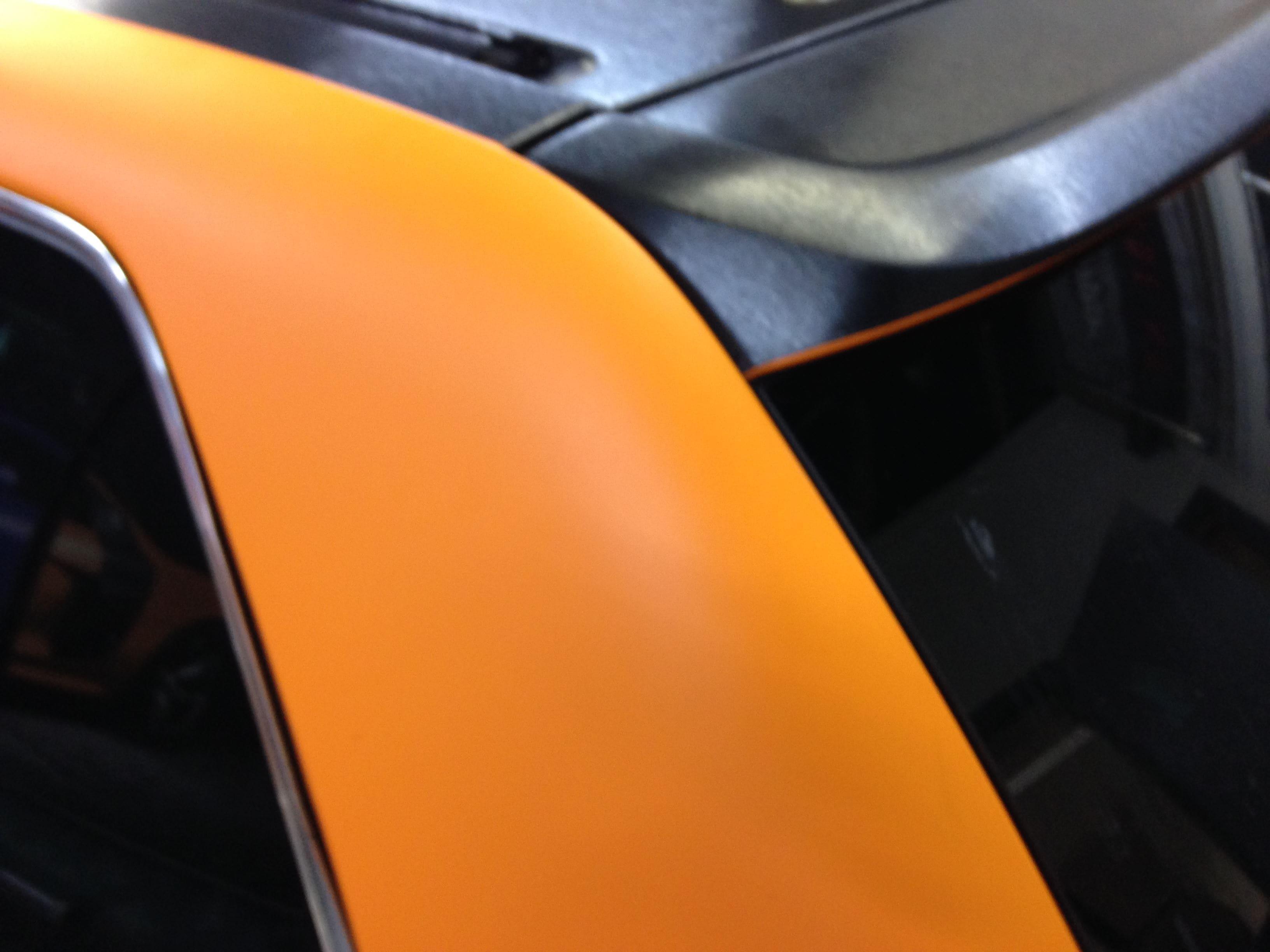 Volkswagen Touareg met Mat Oranje Wrap, Carwrapping door Wrapmyride.nu Foto-nr:7384, ©2020