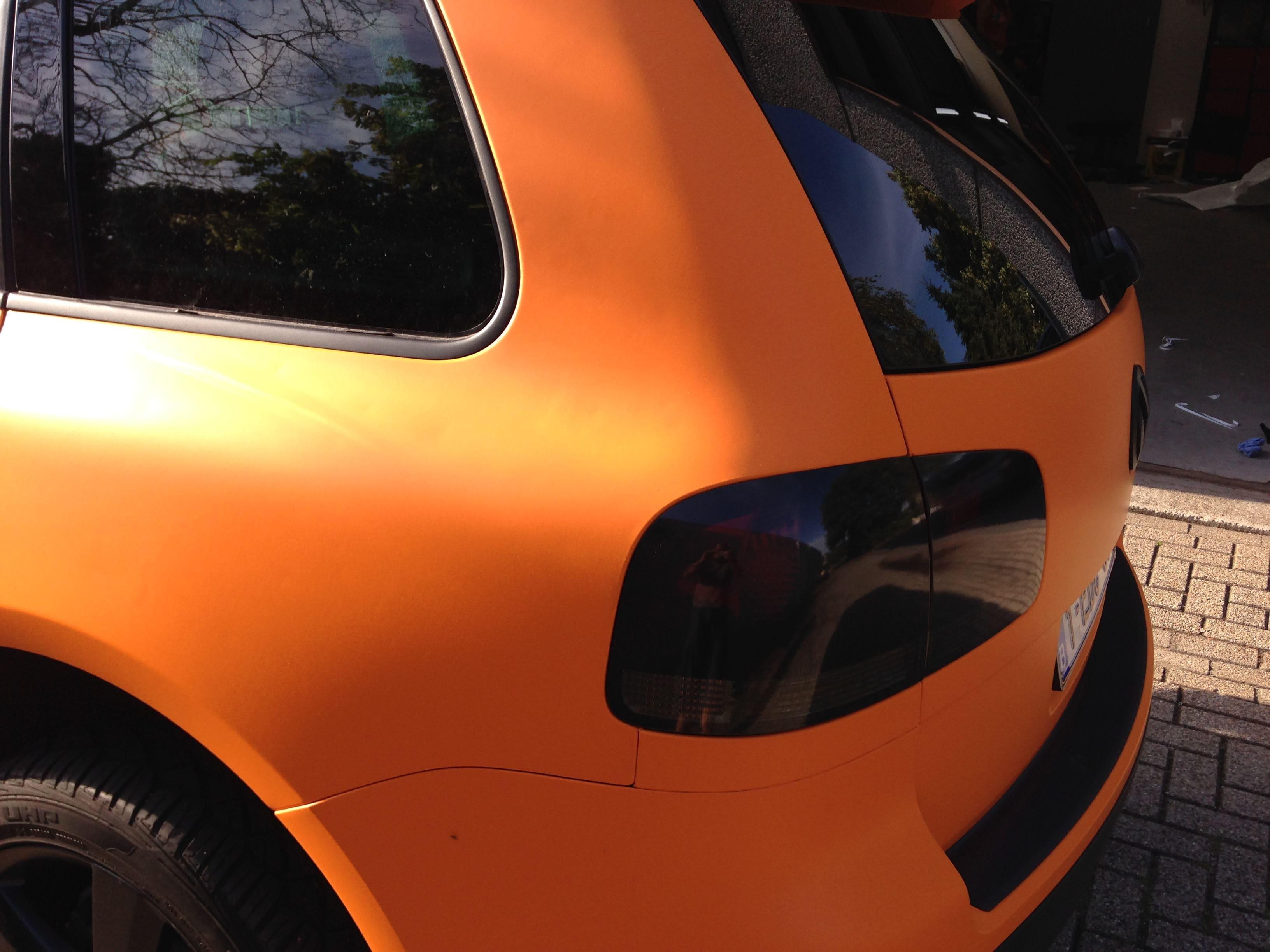 Volkswagen Touareg met Mat Oranje Wrap, Carwrapping door Wrapmyride.nu Foto-nr:7394, ©2021