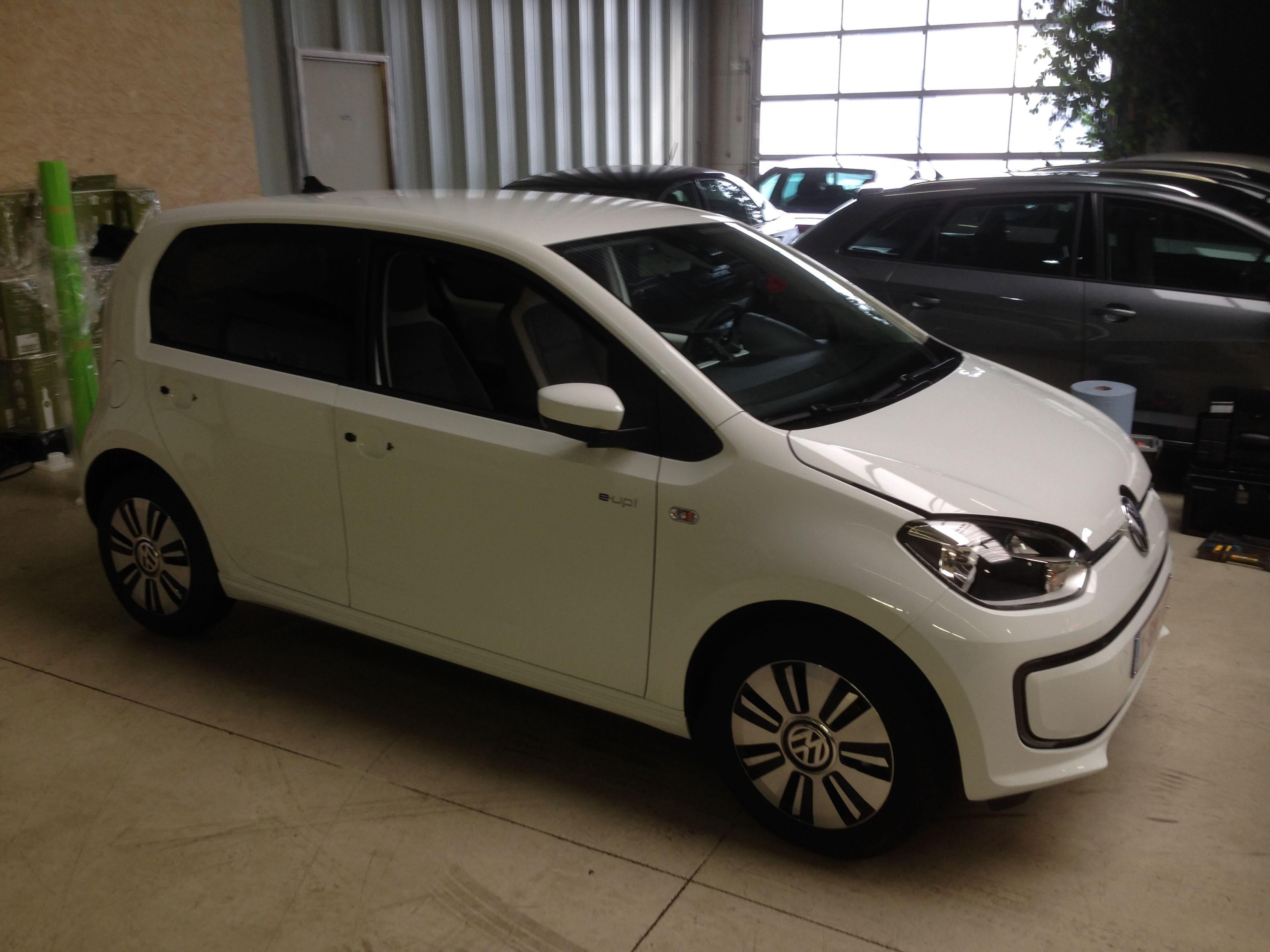 Volkswagen Up met Toxic Green Groene Wrap, Carwrapping door Wrapmyride.nu Foto-nr:7416, ©2020