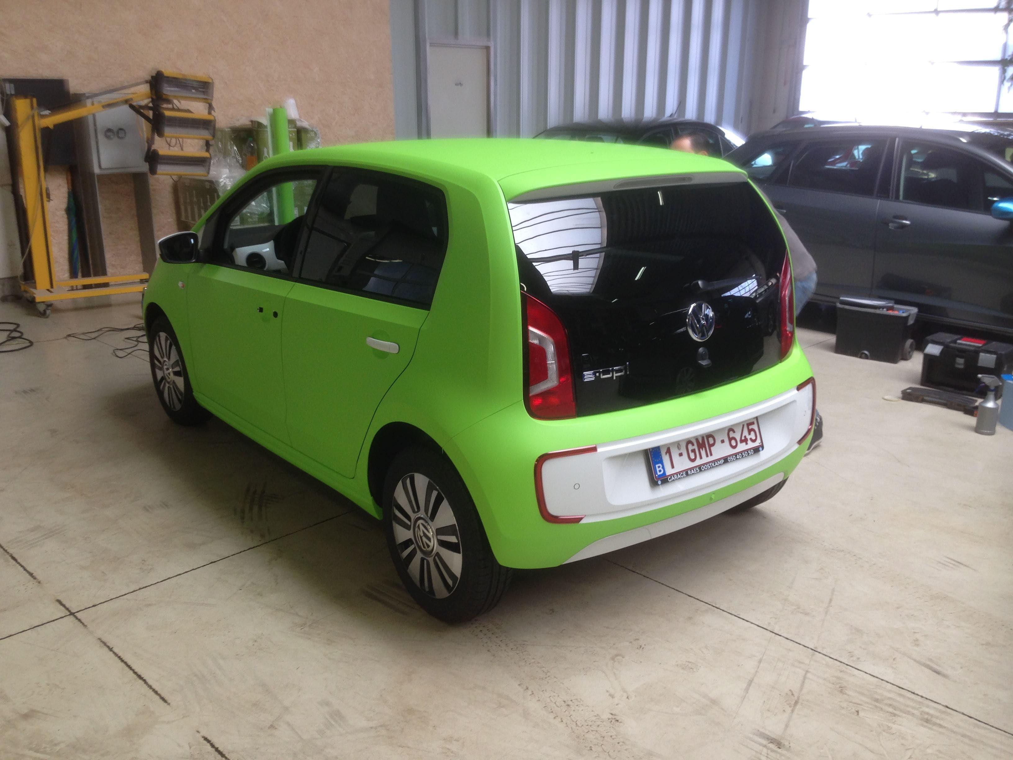 Volkswagen Up met Toxic Green Groene Wrap, Carwrapping door Wrapmyride.nu Foto-nr:7421, ©2020