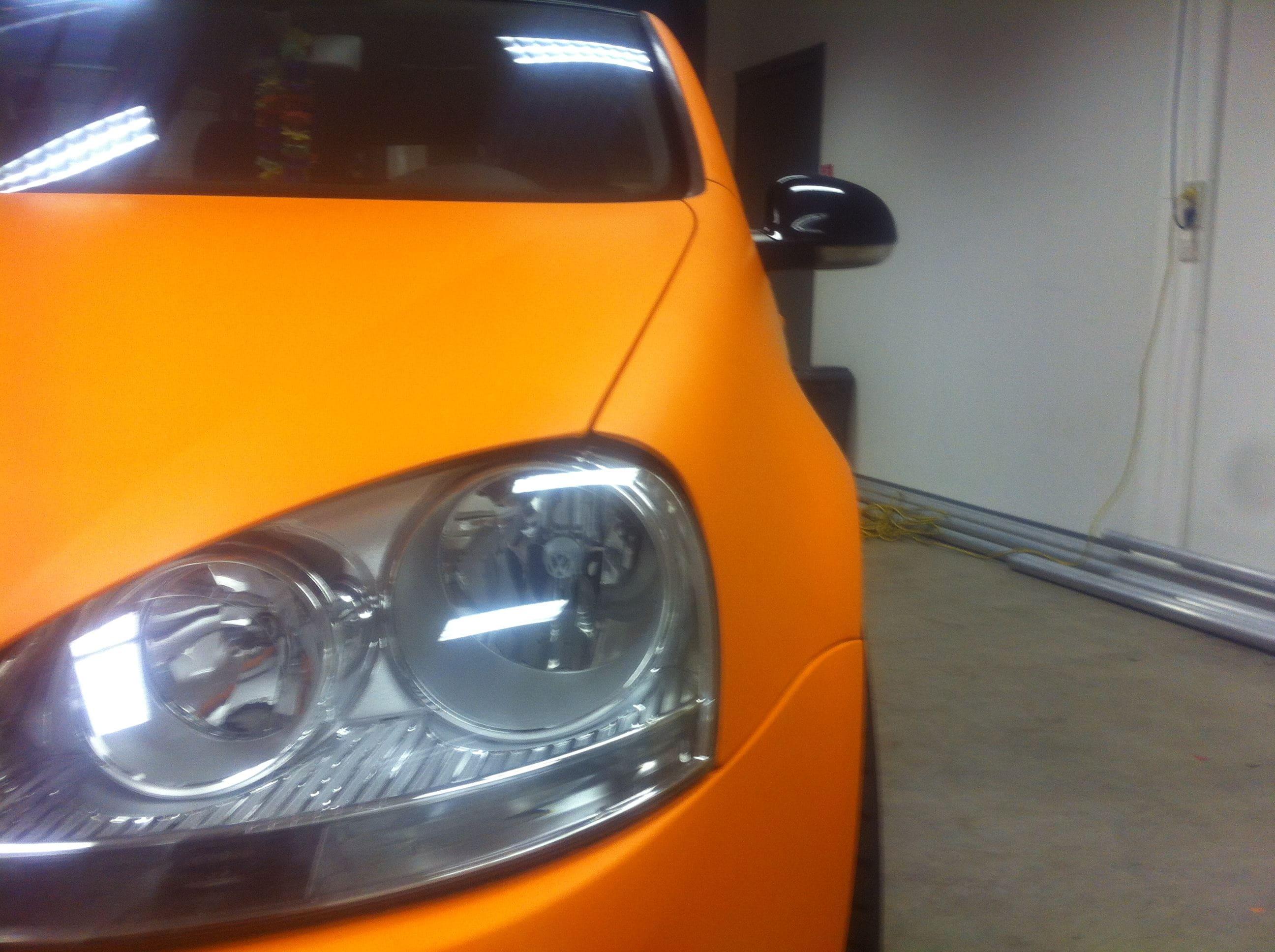 Volswagen Golf met Mat Oranje Wrap, Carwrapping door Wrapmyride.nu Foto-nr:7017, ©2021