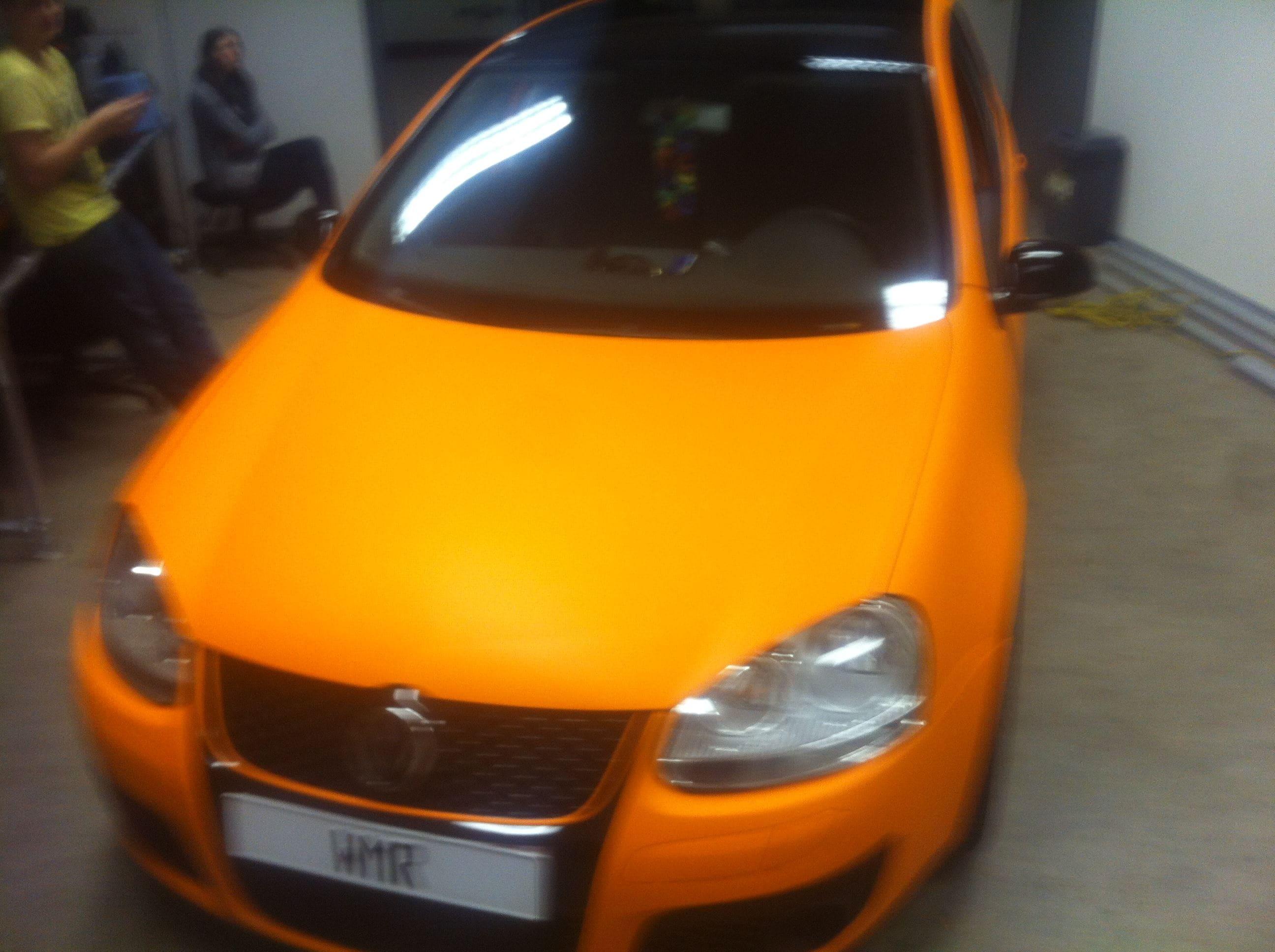 Volswagen Golf met Mat Oranje Wrap, Carwrapping door Wrapmyride.nu Foto-nr:7018, ©2021