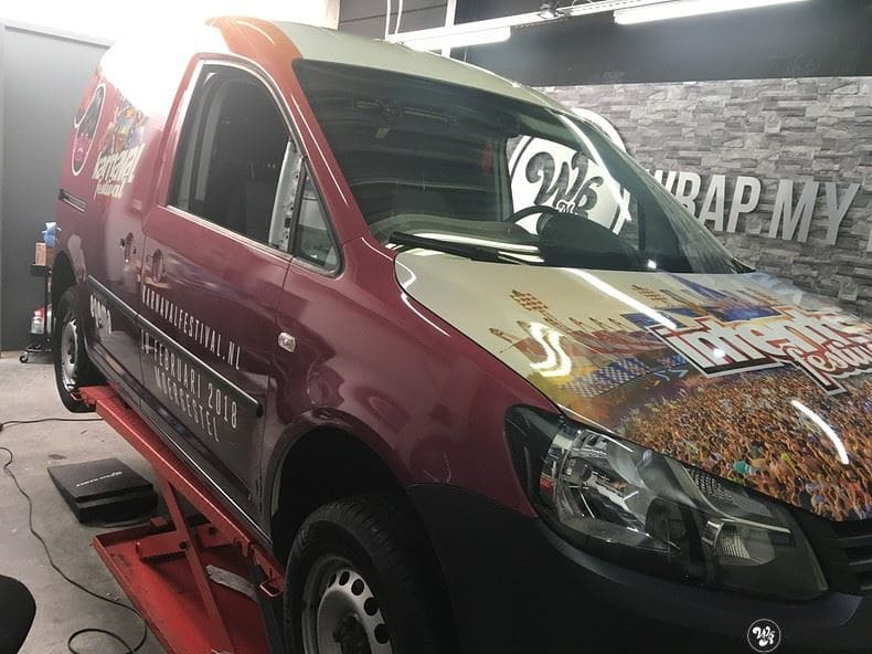 VW Caddy Intents Festival, Carwrapping door Wrapmyride.nu Foto-nr:9867, ©2020