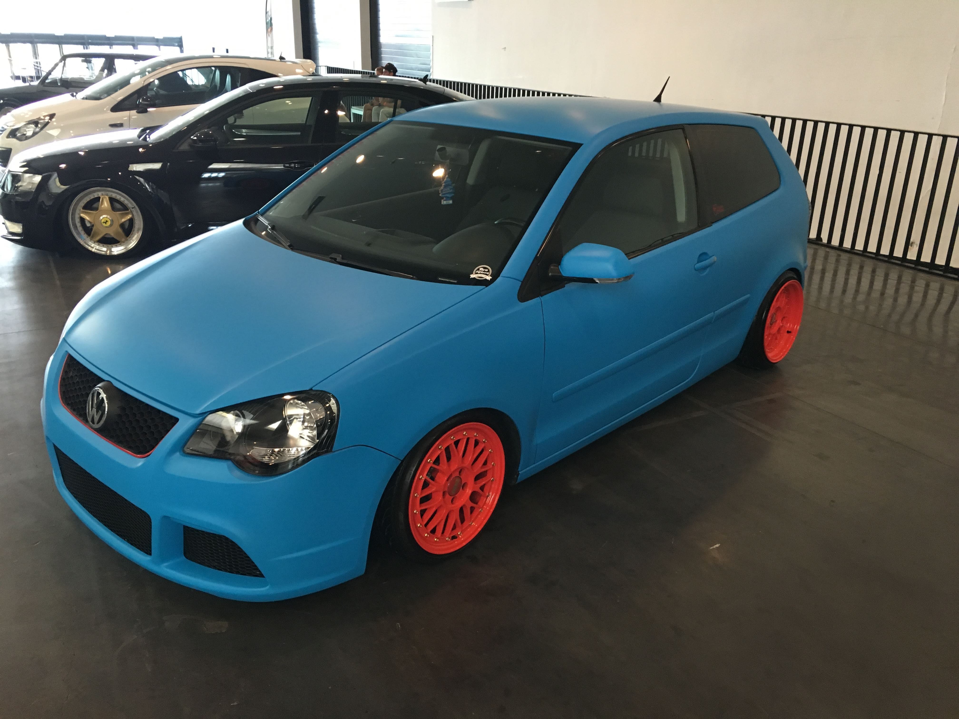 VW polo matte bleu, Carwrapping door Wrapmyride.nu Foto-nr:9180, ©2020