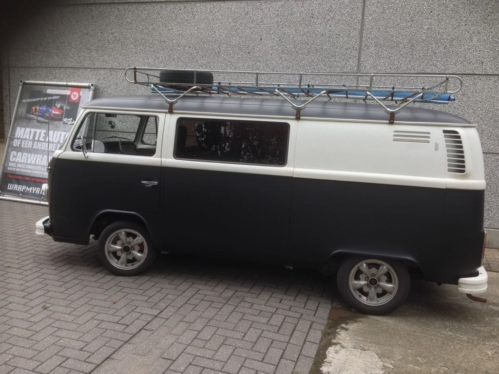 VW T2 mat black guitar hero, Carwrapping door Wrapmyride.nu Foto-nr:8040, ©2021